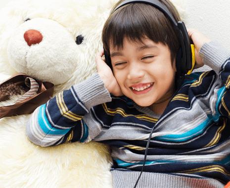 boy-smile-headphones