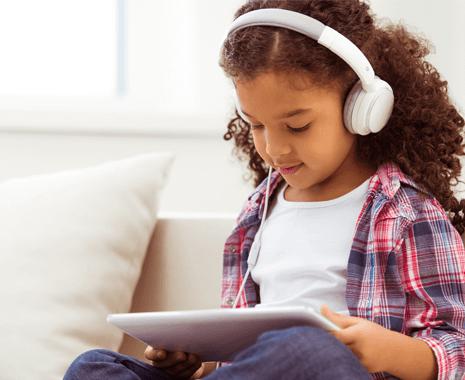 girl-tablet-headphones-zoomed